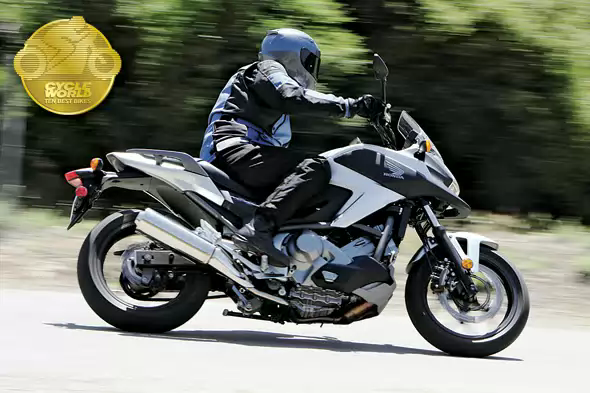 лучший стандартный мотоцикл 2012 года