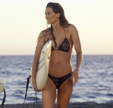 Все рейтинги : Топ-10 самых сексуальных купальников в кинофильмах