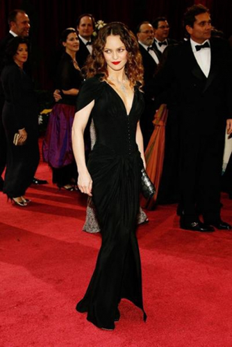 Люди : Топ-10 самых невысоких актрис Голливуда