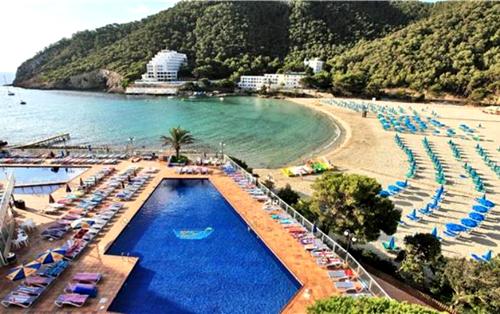 Sirenis Cala Llonga Resort