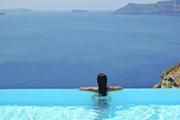 Топ-10 самых необычных бассейнов при отелях