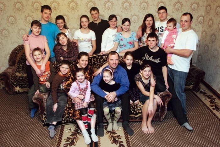 Все рейтинги : Топ-5 самых многодетных семей современности