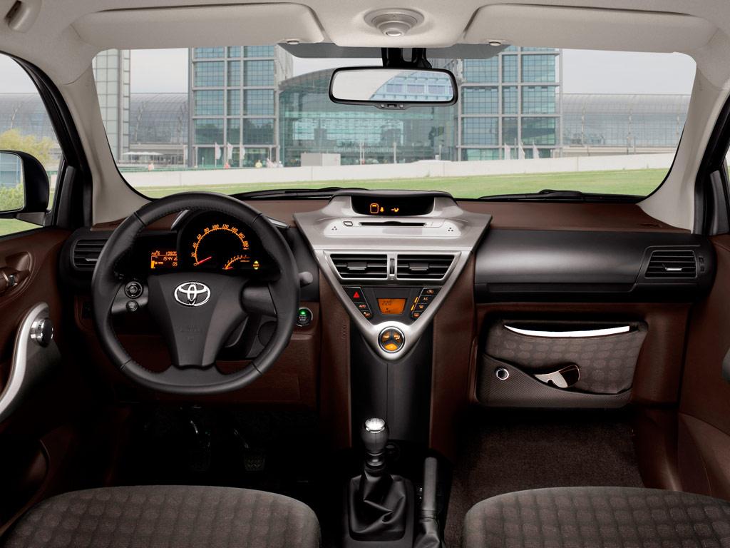 Фото toyota-iq-1.4-d-4d-01 в рубрике «Автомобильные рейтинги »