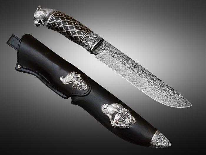 Красивый охотничий нож