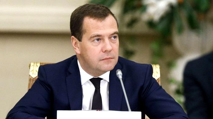 Все рейтинги : Рейтинг ведущих политиков России в 2016 году