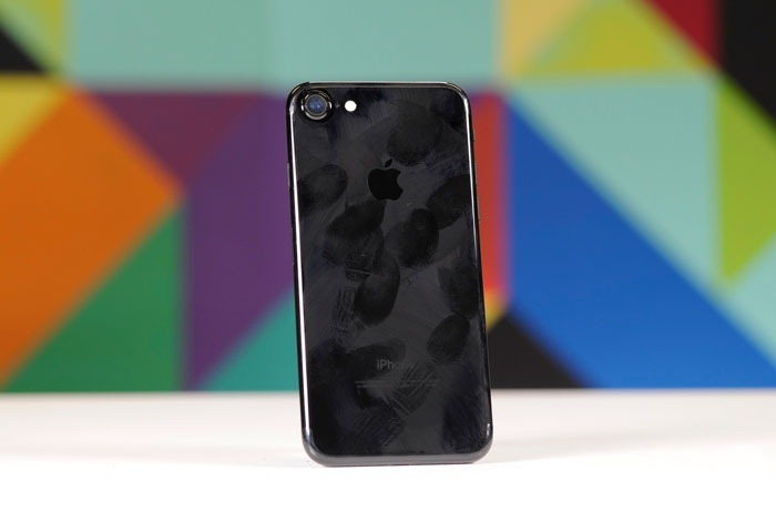 iphone7-34-glossy-1