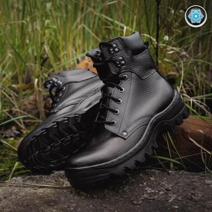 Классические высокие ботинки, утепленные мехом