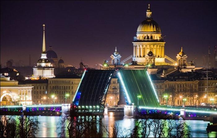 Санкт-Петербург и Москва на майские праздники