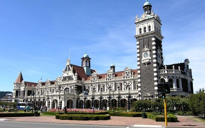 Здание вокзала в Данидине, Новая Зеландия