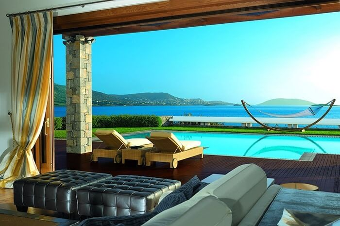 Grand Resort Lagonissi – $75 000