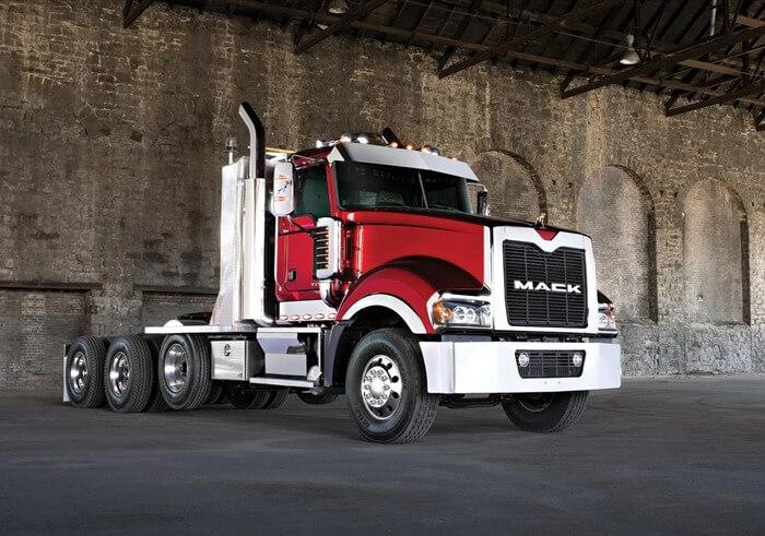 Mack Titan самый длинный грузовой автомобиль