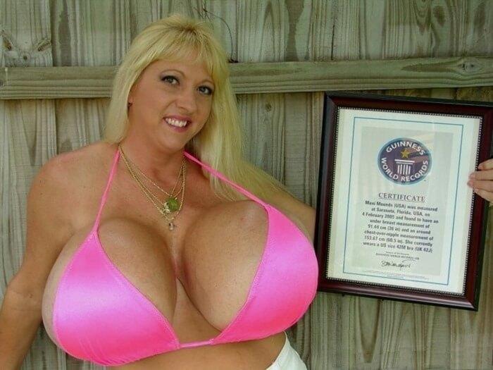 Макси Маундс – самая большая в мире грудь