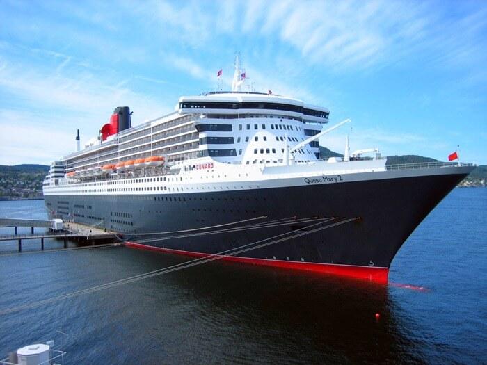 RMS Queen Mary 2 огромный трансатлантический корабль