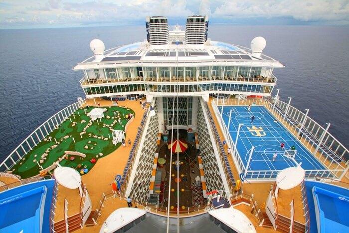 Oasis of the Seas самый большой пассажирский корабль