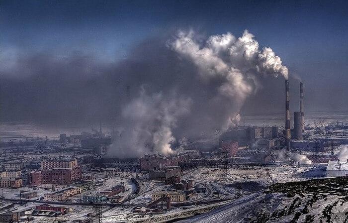 Норильск дым из труб завода
