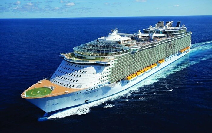 Oasis of the Seas наибольший круизный лайнер в мире