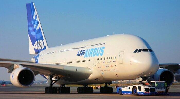 Airbus А380 – самый большой пассажирский самолет