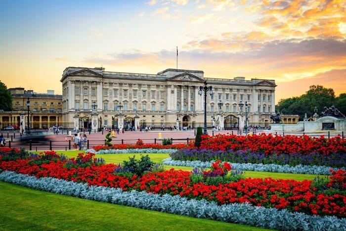 Букингемский дворец самый дорогой дом в мире