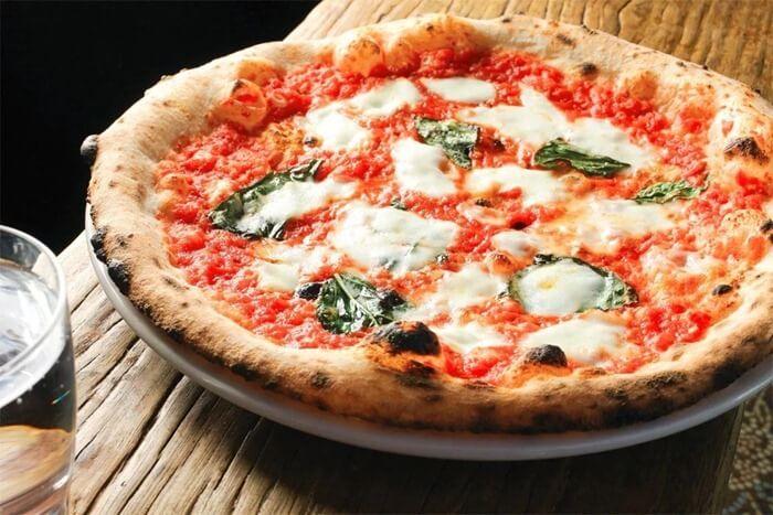 Пицца «Маргарита» в Неаполе