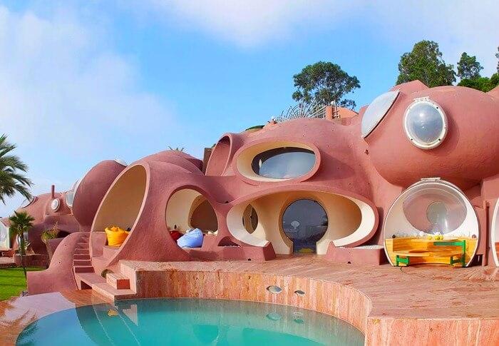 Дворец пузырьков, Франция