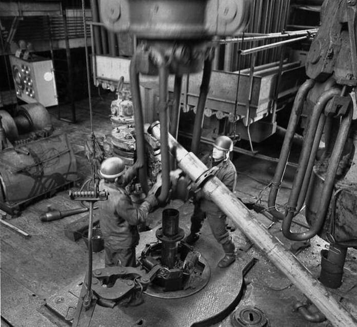 Буровая установка «Уралмаш-4Э» на Кольской сверхглубокой скважине