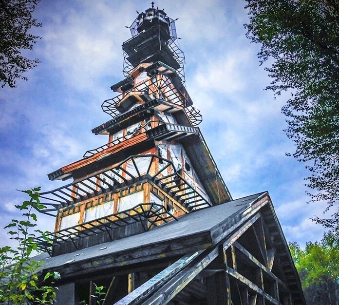 Dr. Seuss House, Аляска