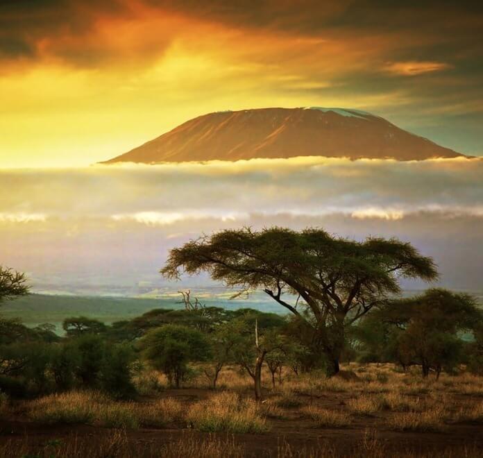 Килиманджаро - 5885 метров
