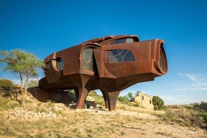 Steel House, Техас