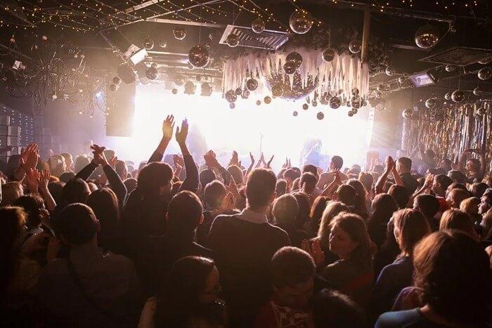 Шестнадцать тонн – лучший ночной клуб Москвы