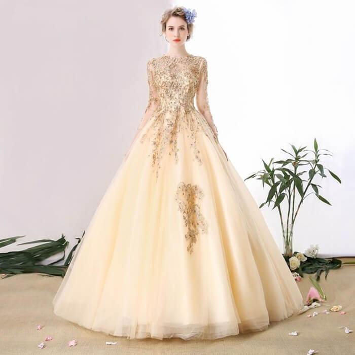 Платье цвета шампань