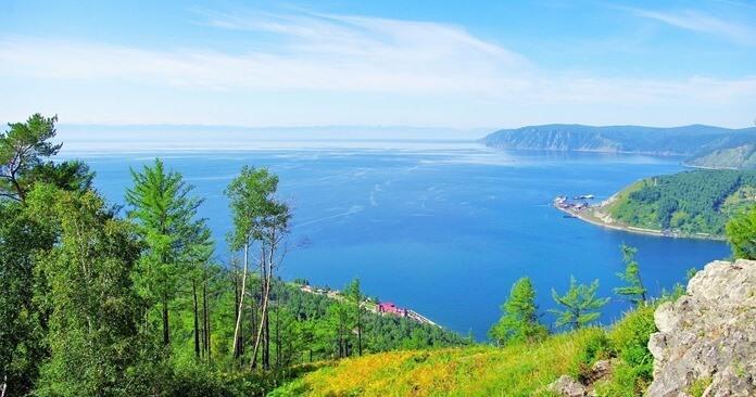 Байкал, крупнейшее озеро в России
