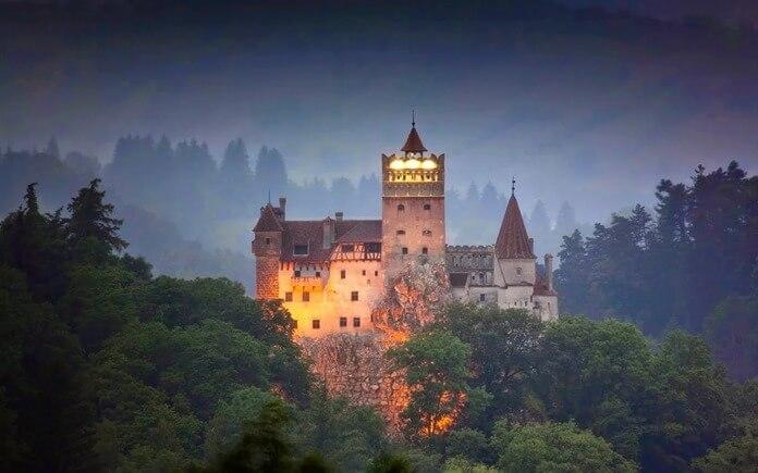 Замок Бран с привидениями