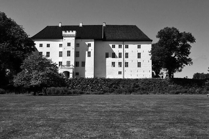 Замок Драгсхольм с призраками