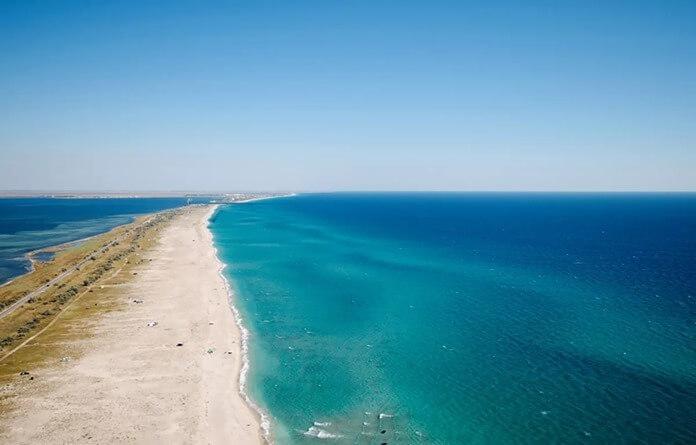 Донузлавская пересыпь – самый чистый пляж Крыма и всей России