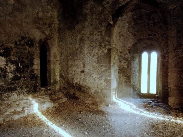 Замок Лип с привидениями
