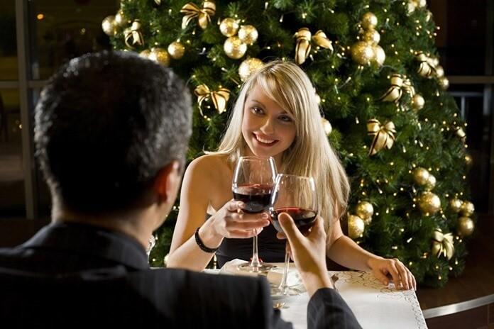 Встреча Нового года в кафе – оригинальный подарок