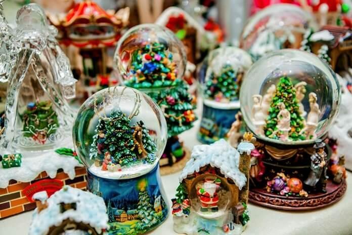 Сувениры с новогодней атрибутикой