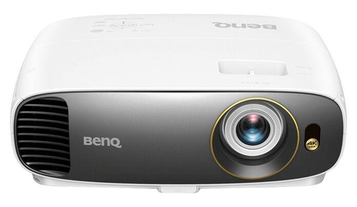 BenQ W1720 хороший 4K проектор