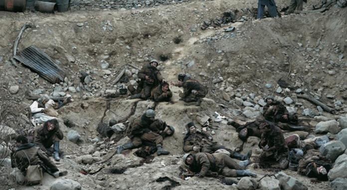 «Беседа мёртвых солдат», Джефф Уолл