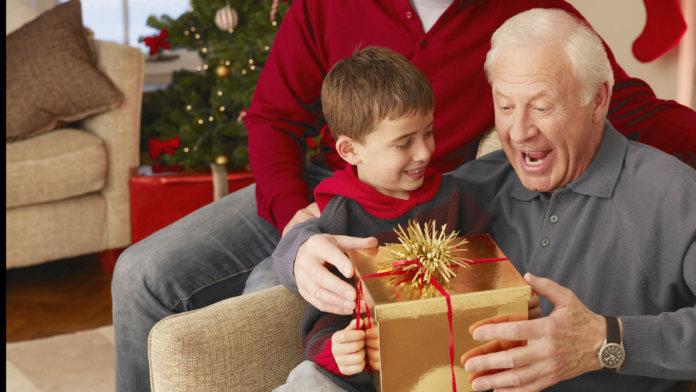 Дедушке подарок