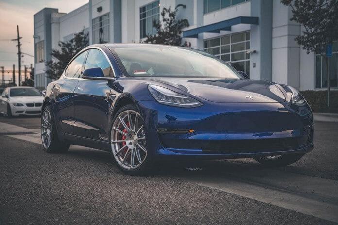 Tesla Model 3 – самый популярный электрокар в мире