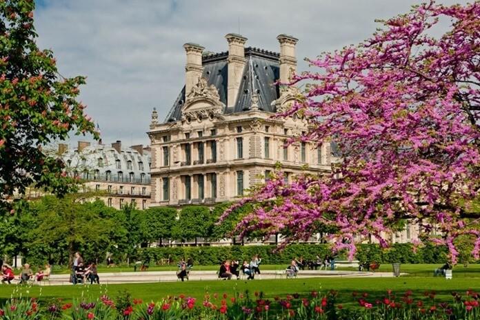 За границу в мае 2021 года лучше поехать во Францию
