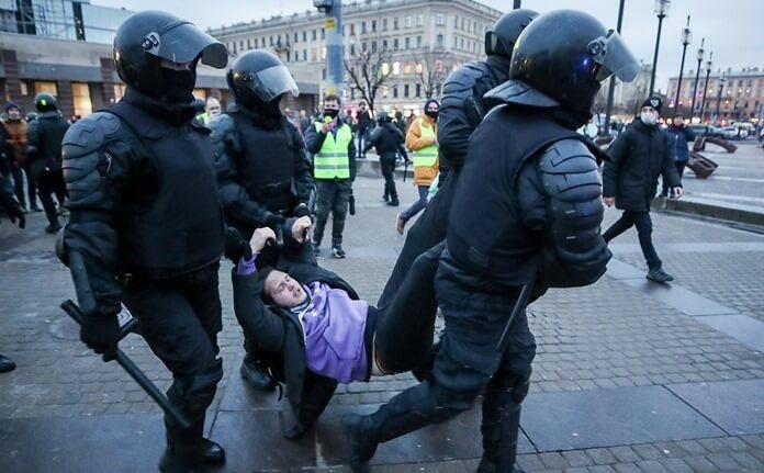 Страх произвола полиции и судов