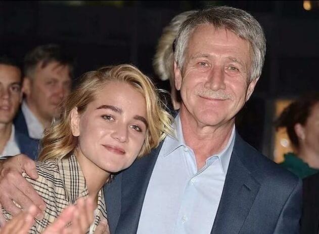 Виктория Михельсон с отцом