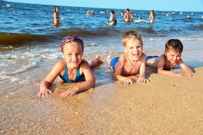 Азовское море для отдыха с детьми в июле