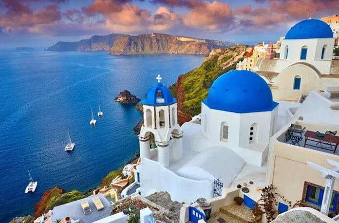 Куда полететь в октябре 2021 на море: Санторини, Греция