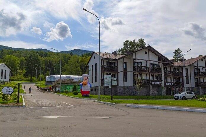 Лучшее место для отдыха в октябре 2021: Село Манжерок, Россия